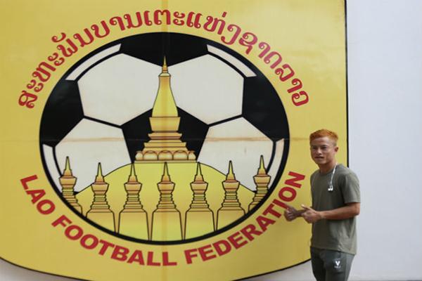Messi Lào vui mừng khi gặp ĐT Việt Nam