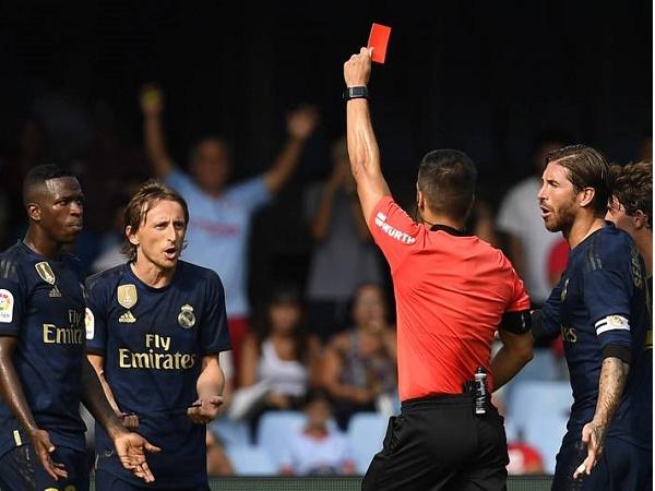 Quả bóng vàng 2018 bào chữa vì ăn thẻ đỏ trực tiếp