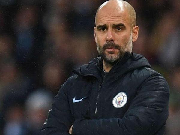 Kompany khuyên Man City nên giữ Pep Guardiola