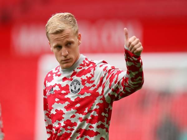 Tin MU 1/9: Man United lật kèo Van de Beek ngay phút chót